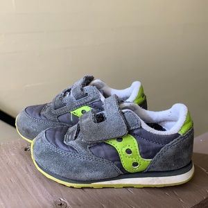 Baby saucony shoes size 5,5